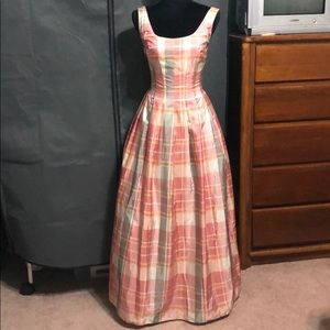 Very Pretty gown size 2